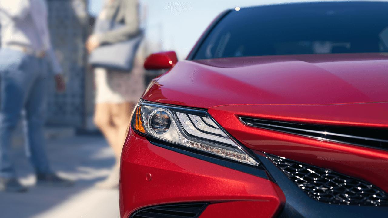 2018 Toyota Camry Headlight detail