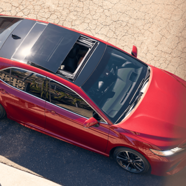 2018 Toyota Camry Top View with sunroof open
