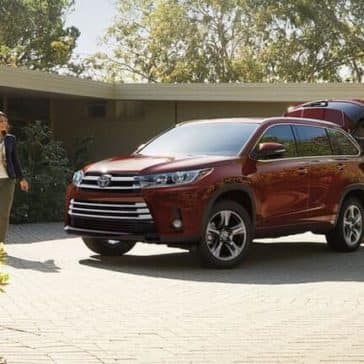 2018 Toyota Highlander Parked in driveway