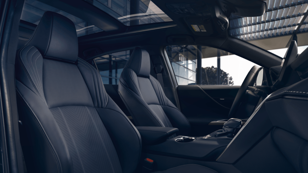 2021-Venza-Hybrid-interior