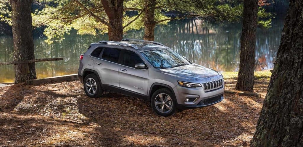 2019 Jeep Cherokee Limited river scene