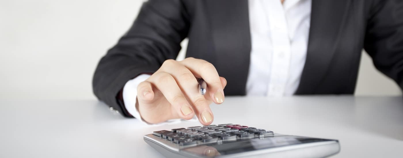man-on-calculator