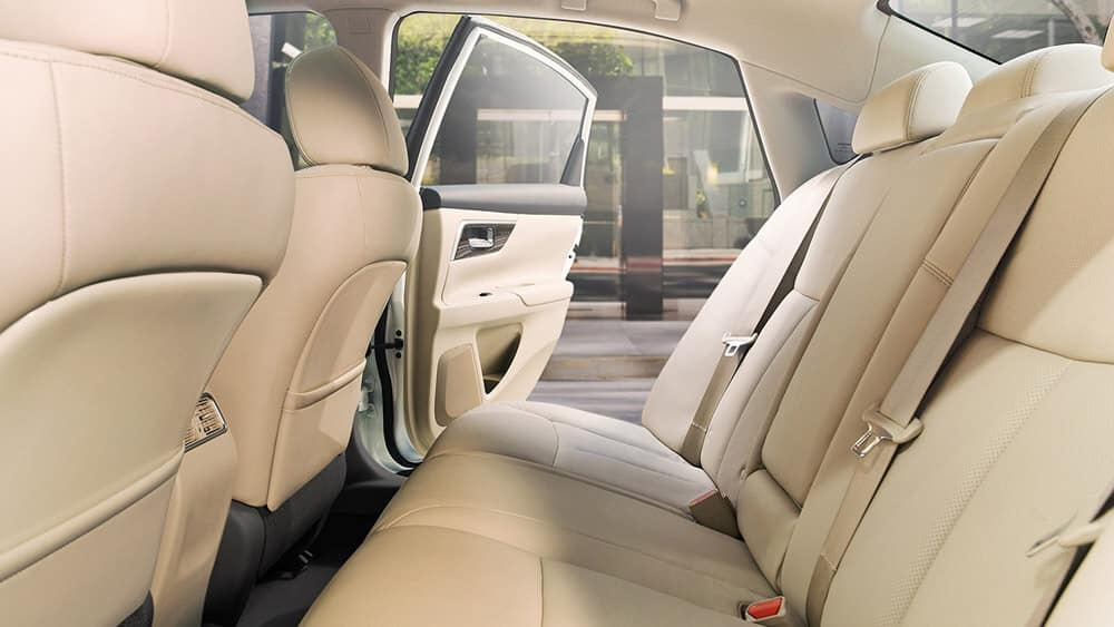 2018 Nissan Alitma interior rear seating beige leather original