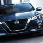 2019 Nissan Altima Driving Forward