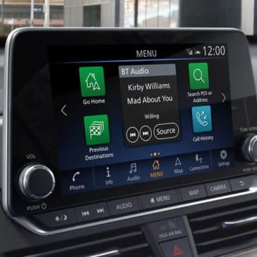 2020-nissan-altima-touchscreen-display