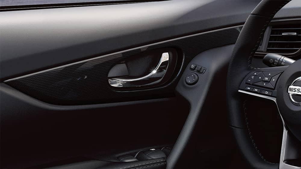 2020-nissan-rogue-door-handle