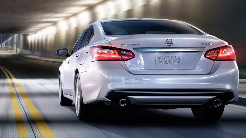 2018 Nissan Altima sedan rear exterior pearl white original
