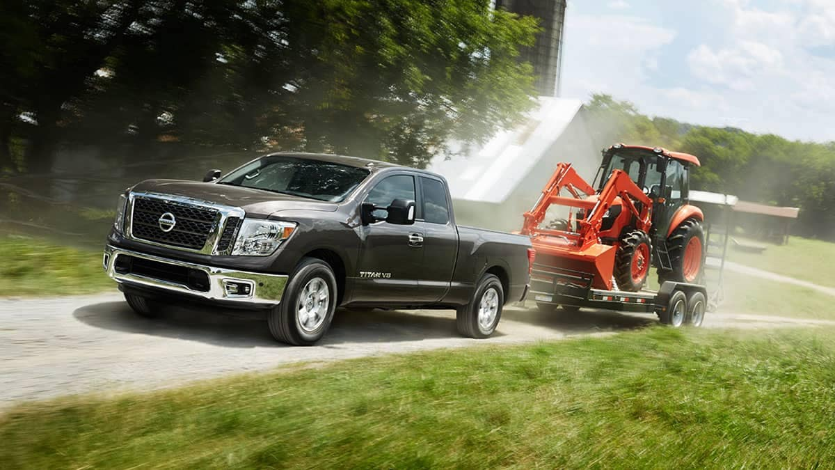 2018 Nissan Titan SV king cab towing