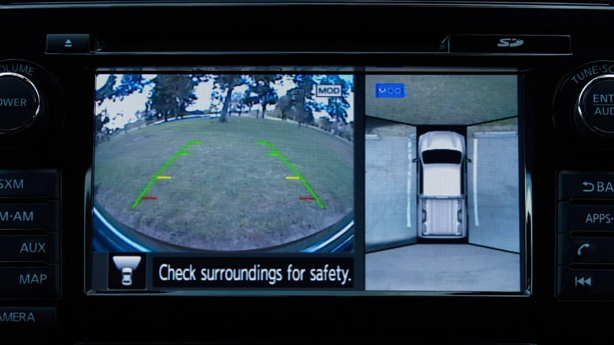 2018 Nissan Titan around view monitor