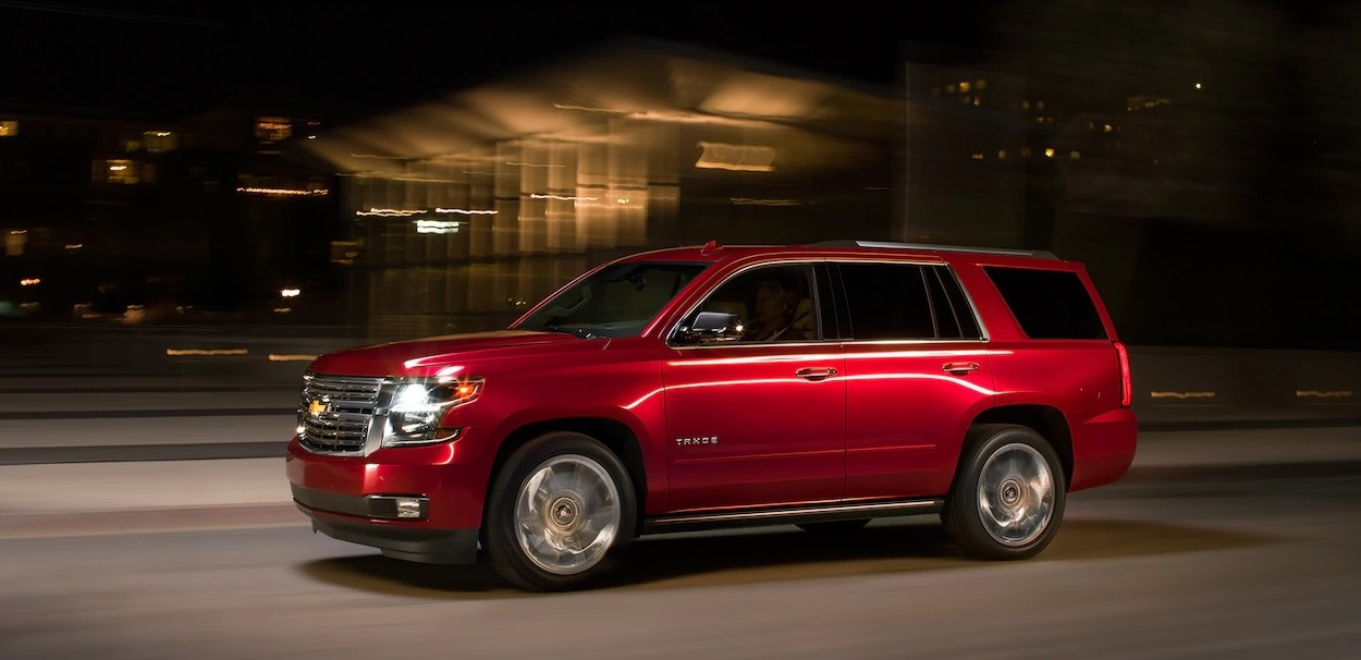 2017 Chevrolet Tahoe night driving