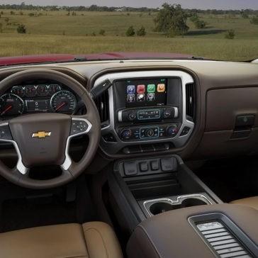 2017 Chevrolet Silverado front interior