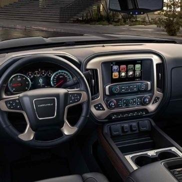 2017 GMC Sierra front interior