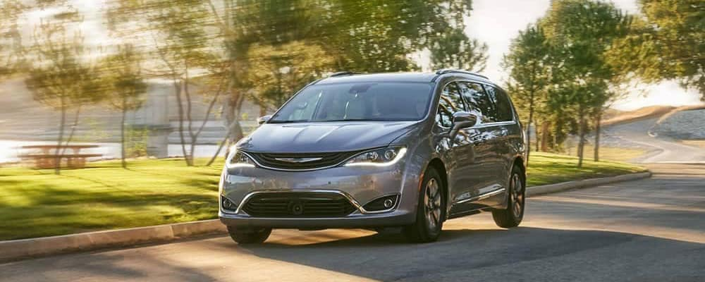 2019-chrysler-pacifica-on-the-highway copy