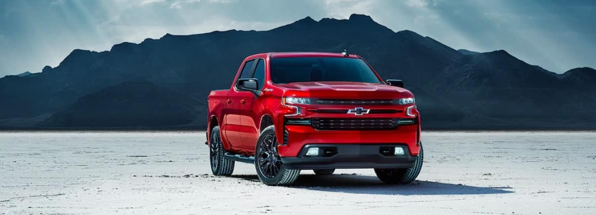 2019 Chevrolet Silverado 1500 in front of mountain