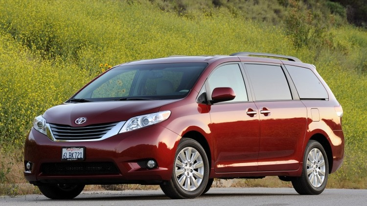 toyota sienna at drivers auto mart