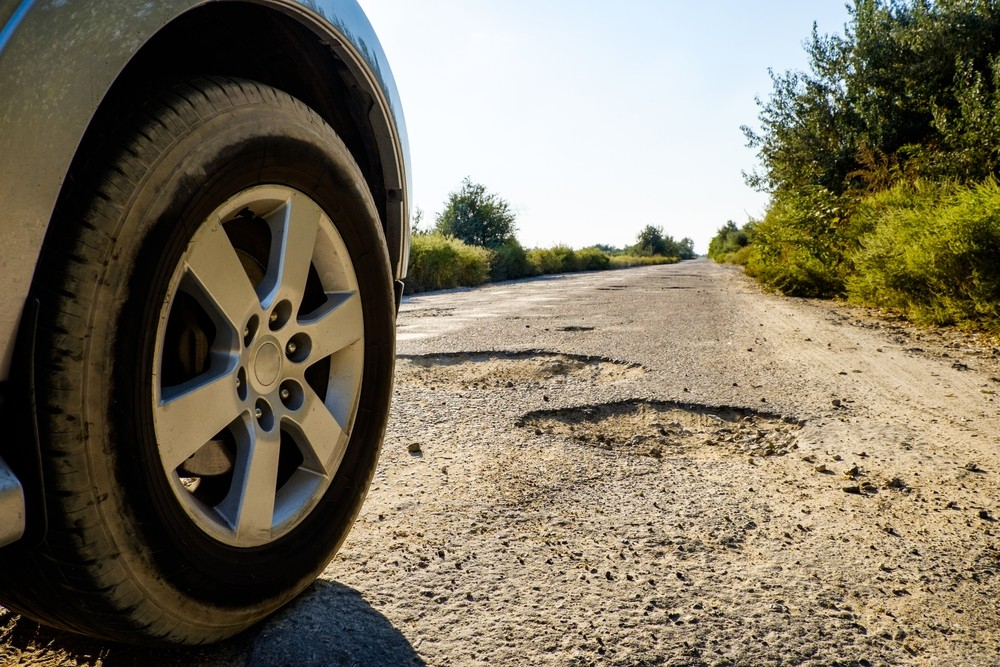 avoid potholes driving