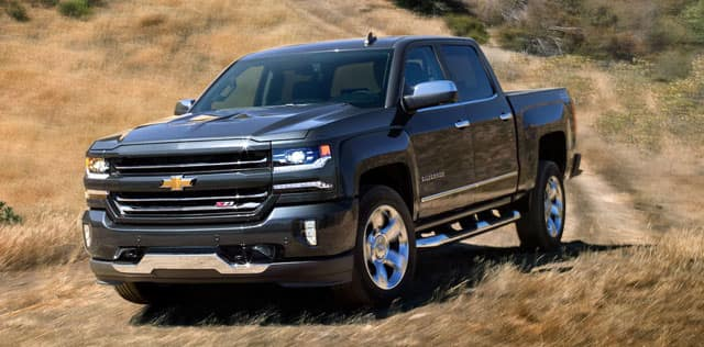 compare 2018 chevrolet silverado vs ford f 150 review. Black Bedroom Furniture Sets. Home Design Ideas