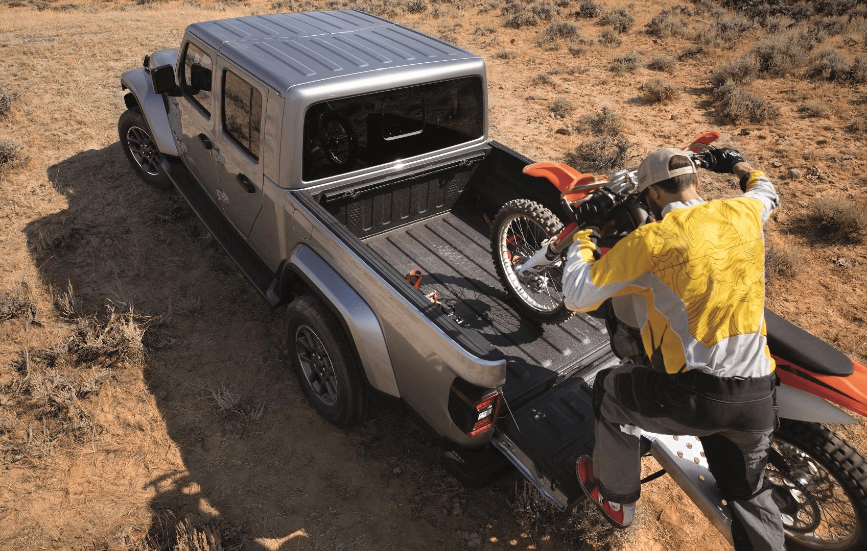2020 Jeep Gladiator Hauling Dirt Bike