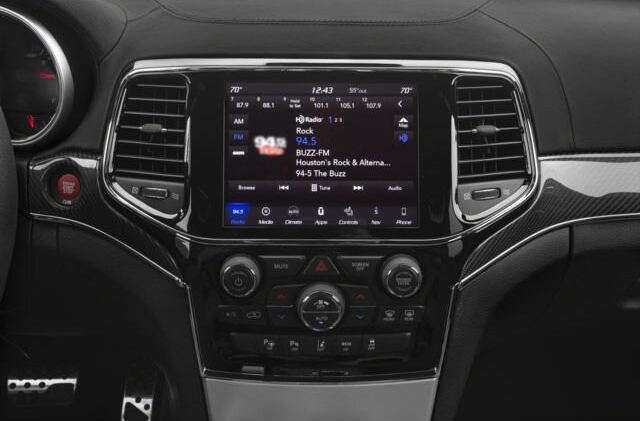 Jeep Grand Cherokee Interior Technology