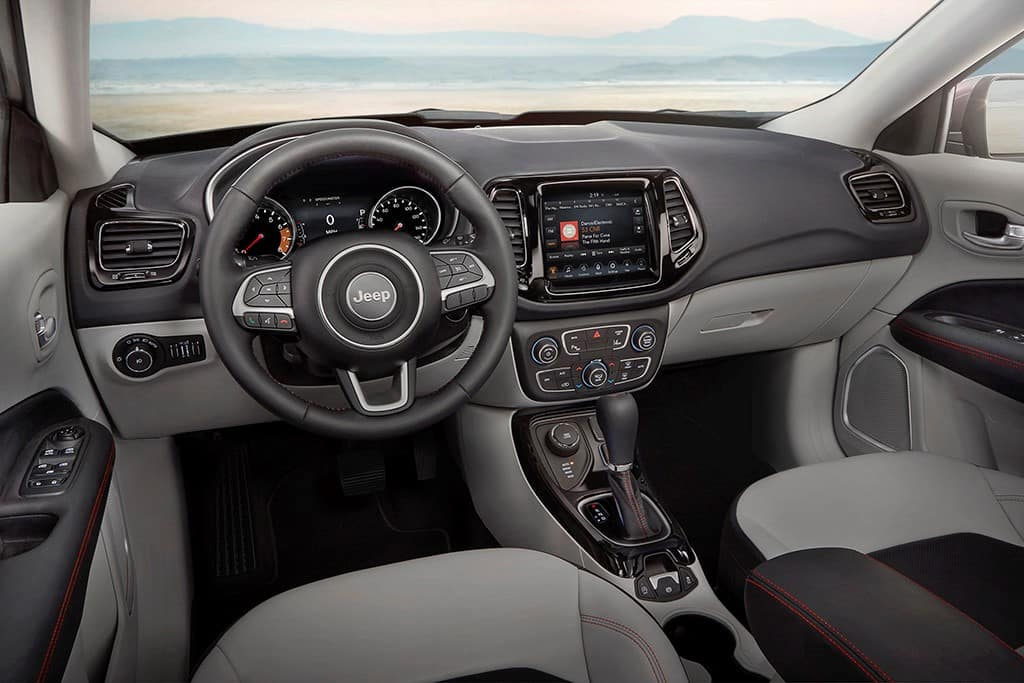 Jeep Compass Vs Jeep Cherokee >> 2019 Jeep Compass Vs 2019 Jeep Cherokee Glenn S Freedom Cdjr