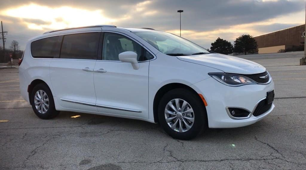 Enjoy Life Behind the Wheel of the New 2019 Chrysler Pacifica Touring L