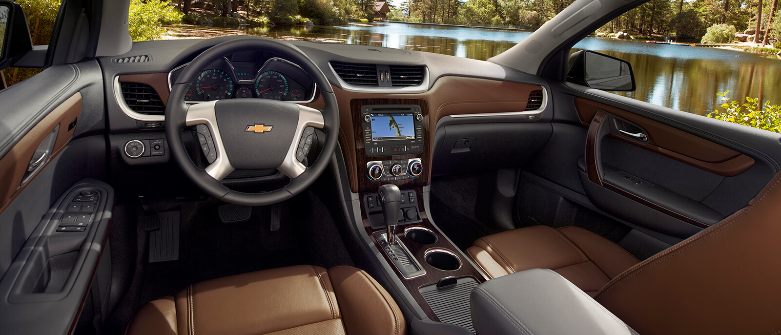 the 2017 chevrolet traverse family friendly midsize crossover suv. Black Bedroom Furniture Sets. Home Design Ideas