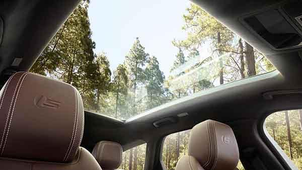 2018 Jaguar XF Interior Seating and Moonroof