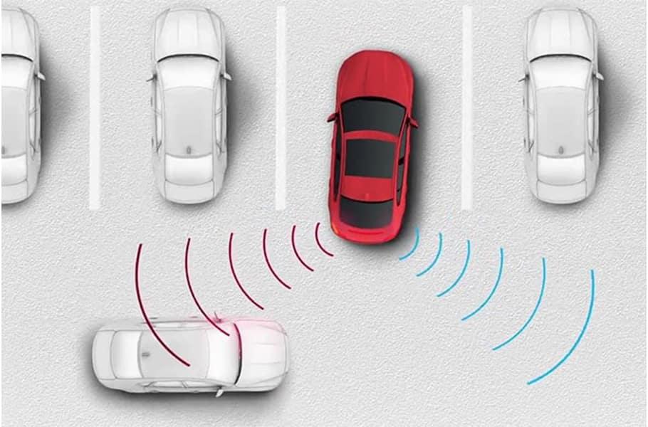 2020 Jaguar XE Rear Traffic Monitor