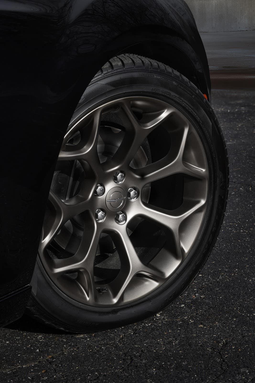 2019 Chrysler 300 Tire on Gravel