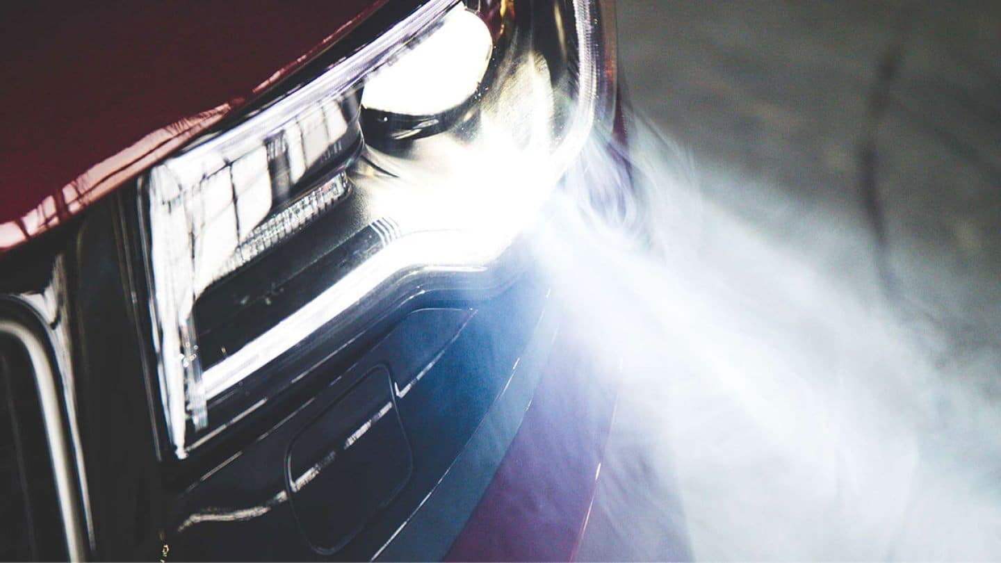 19 jeep grand cherokee headlamps