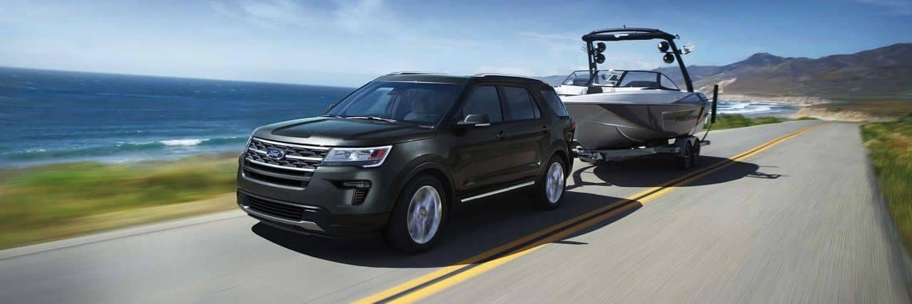 2018 Ford Explorer towing a boat