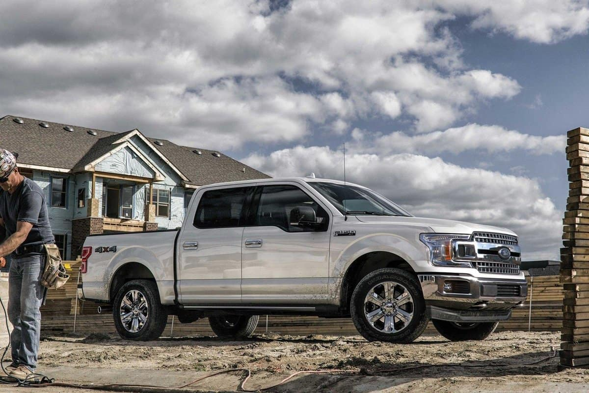 2019 Ford F-150 XLT in white