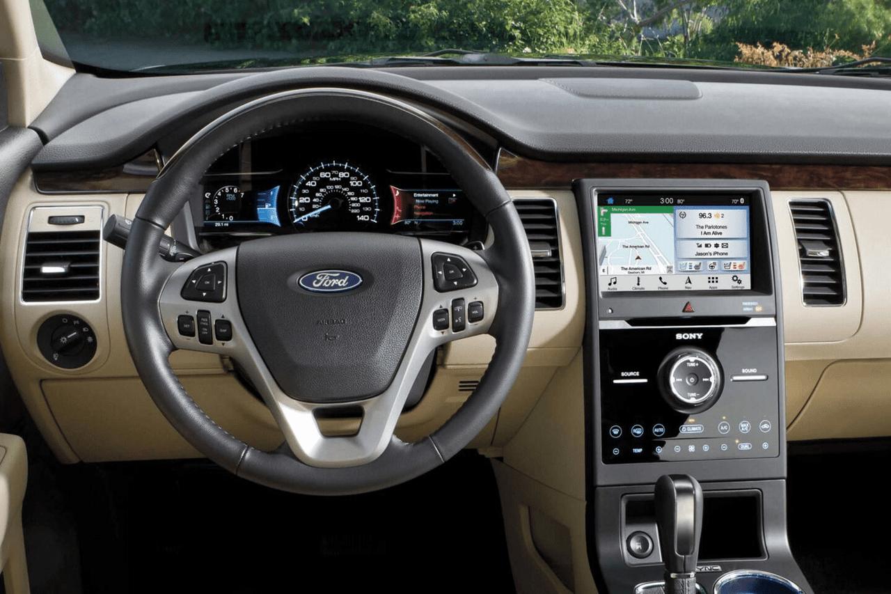 2019 Ford Flex interior dashboard technology