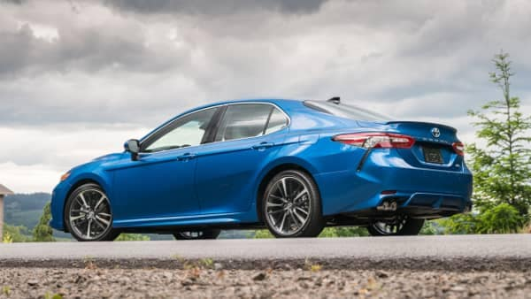 2018 Toyota Camry XSE in Blue Streak Metallic