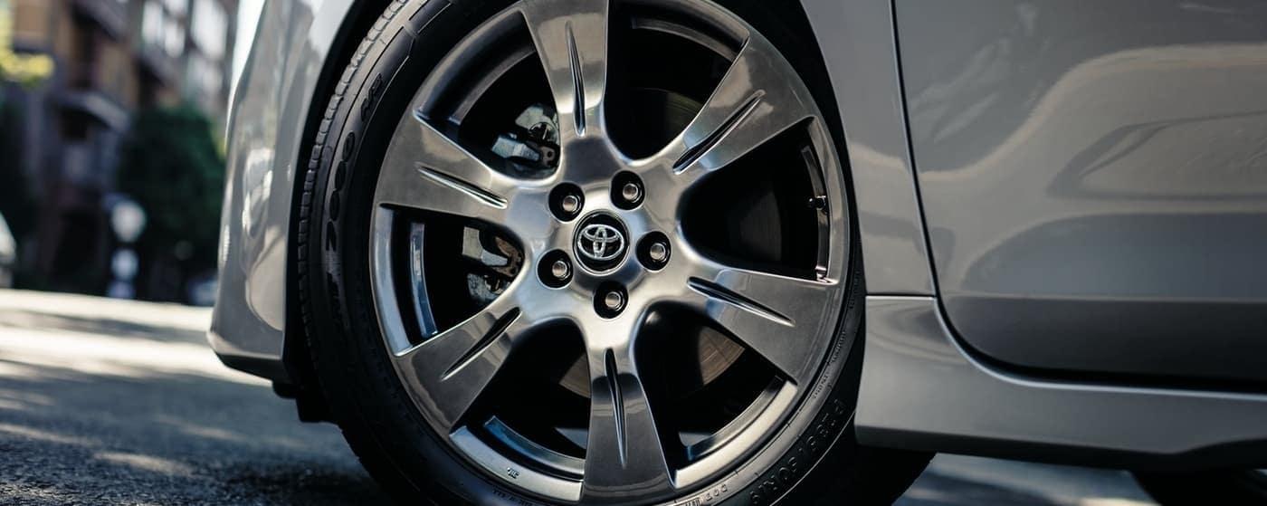 2020 Toyota Sienna wheel close up