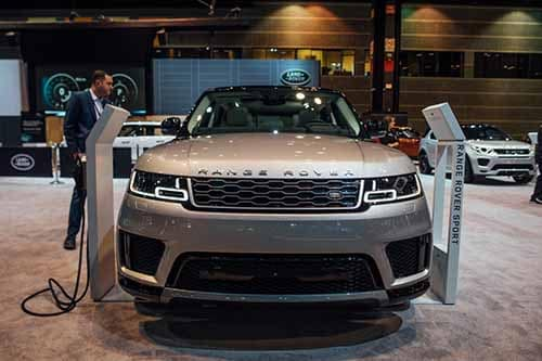 Land Rover PHEV Front End View Auto Show 2018