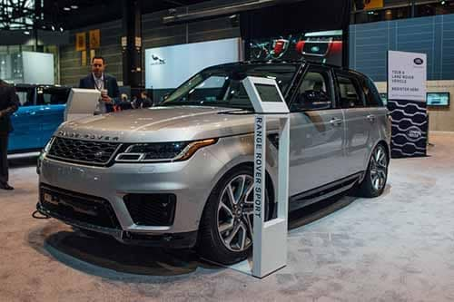 Land Rover PHEV 3/4 Side Angle View 2018 Auto Show