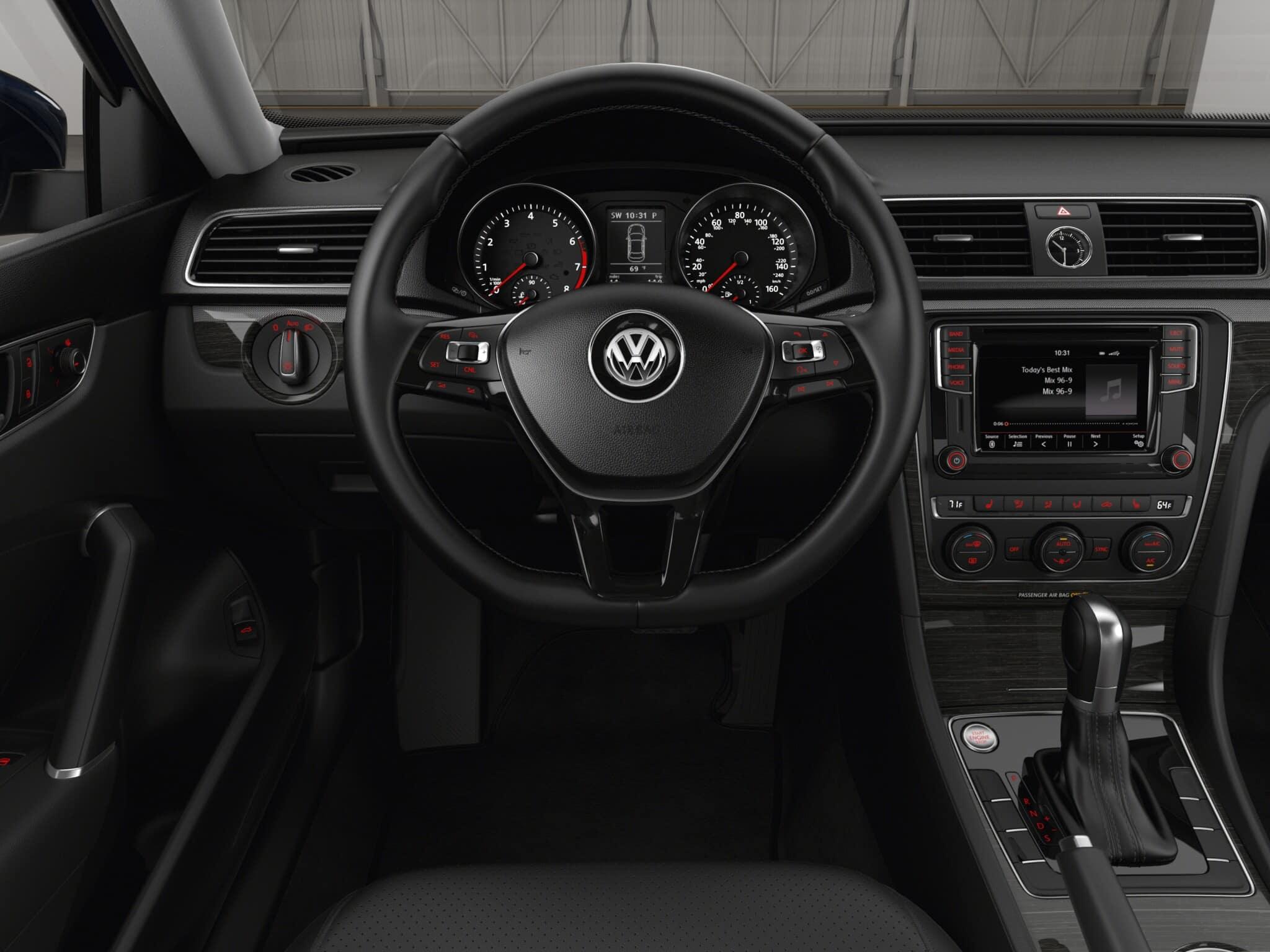 2017 Volkswagen Passat SE Front Interior