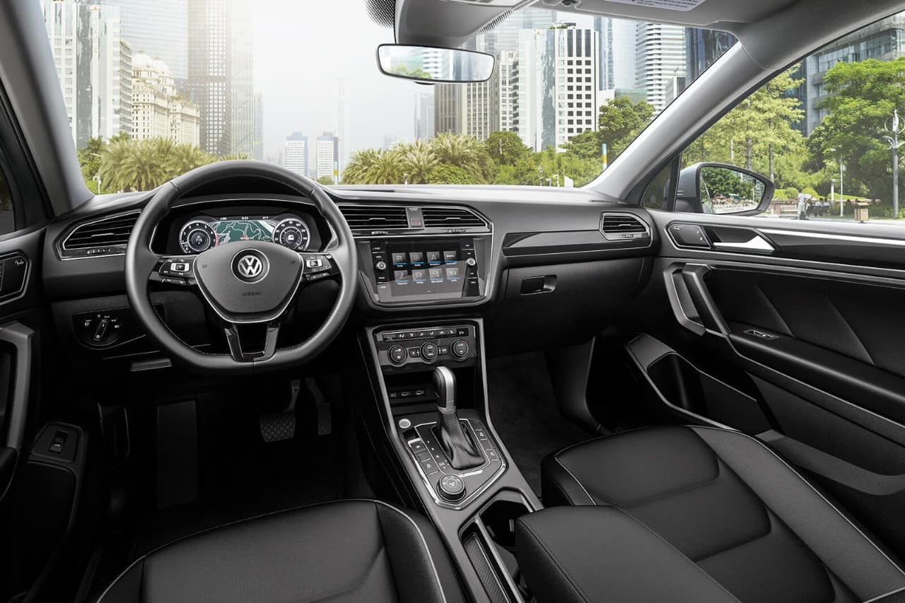 2018 Volkswagen Tiguan Black Dashboard Interior