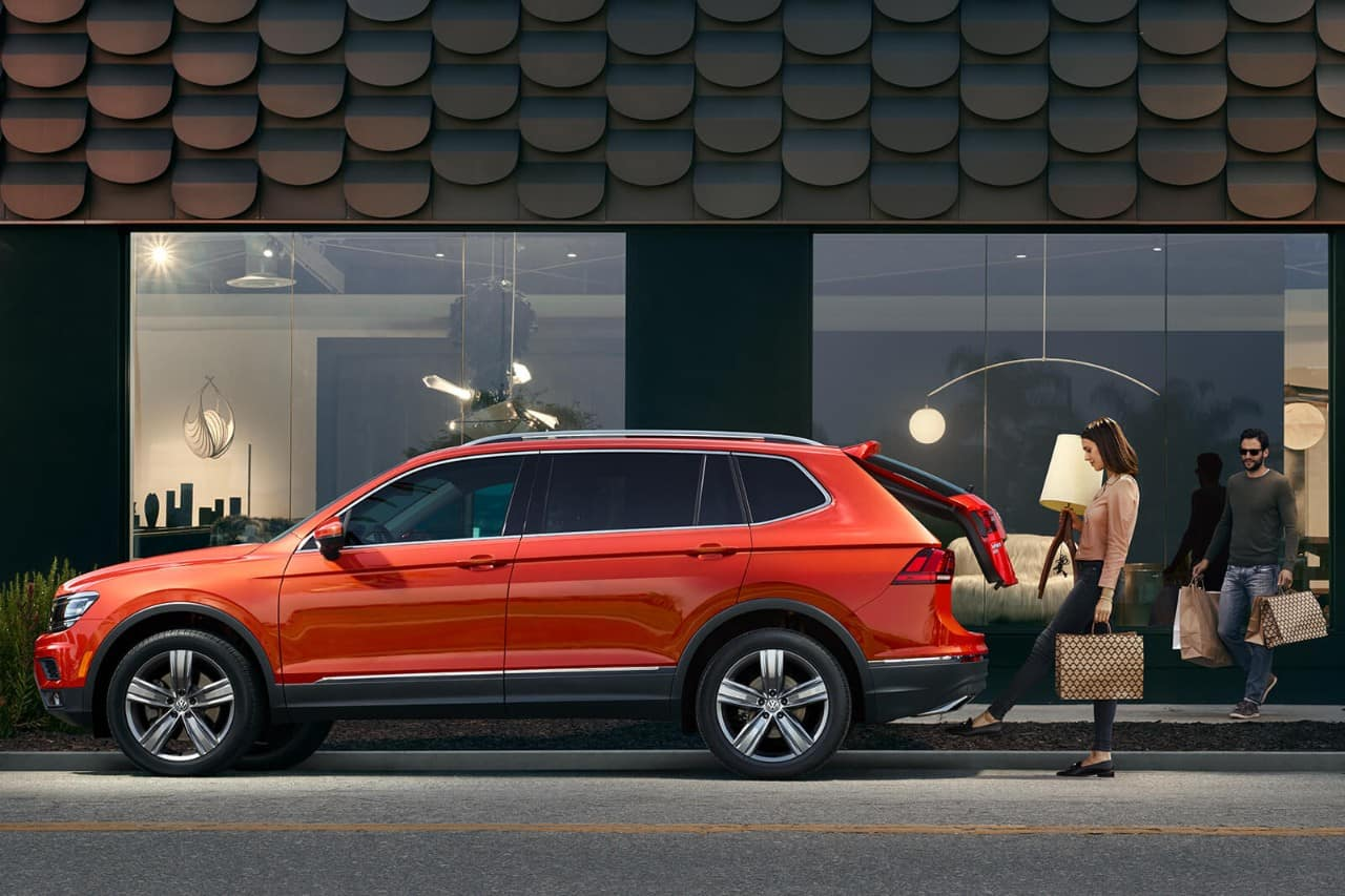 2018 Volkswagen Tiguan Orange Side Exterior