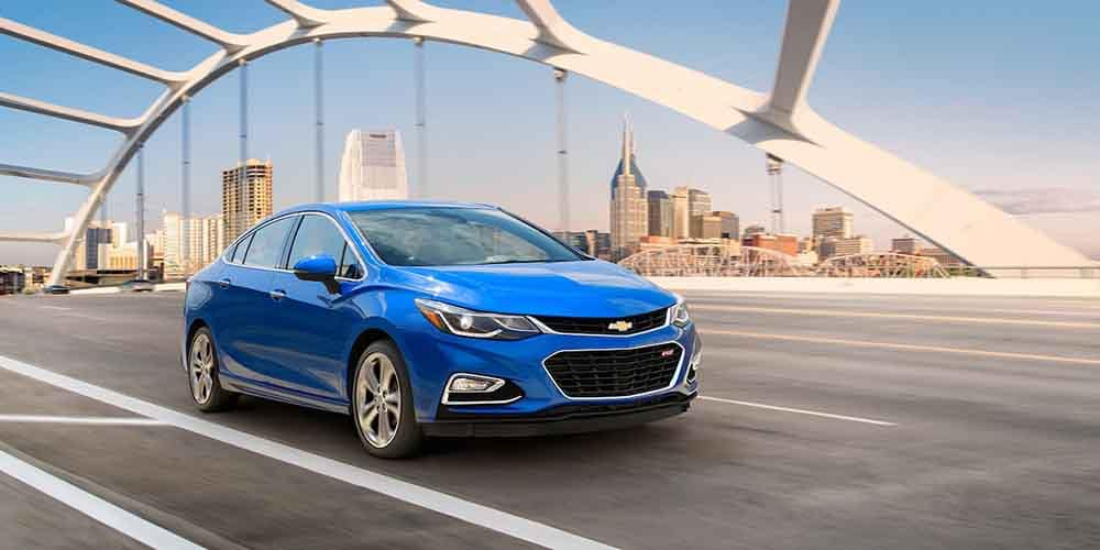 2018 Chevy Cruze Driving