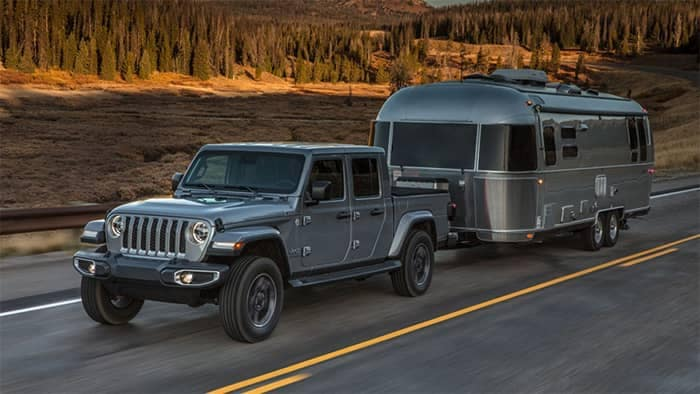 Jeep Gladiator Towing a Home Trailer