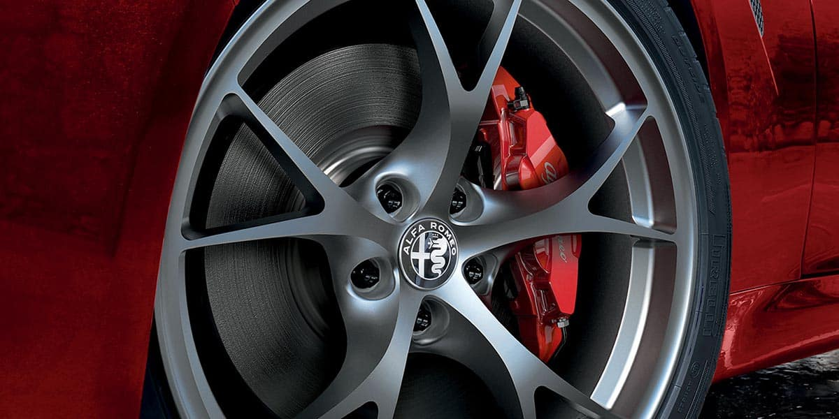 2018 Maserati Quattroporte Wheel