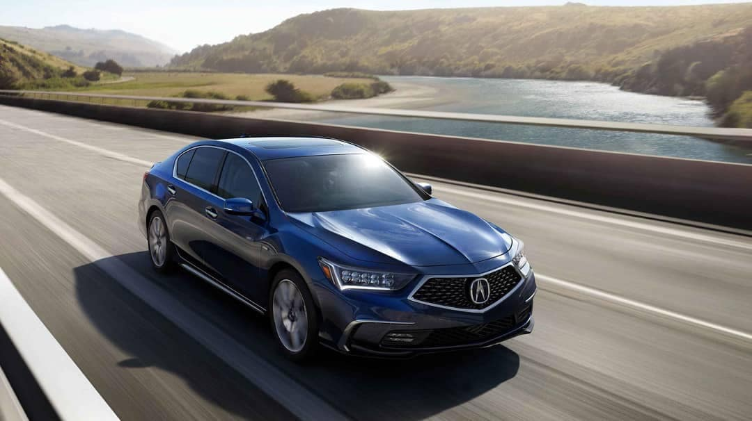 2019-Acura-RLX-on-road