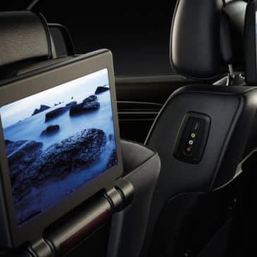 2017 Jeep Grand Cherokee rear seat entertainent sytem