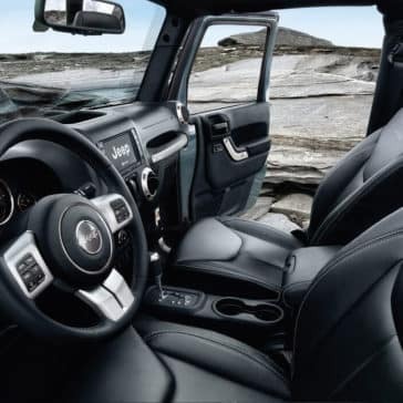 2017 Jeep Wrangler Interior Front Seating and Dashboard