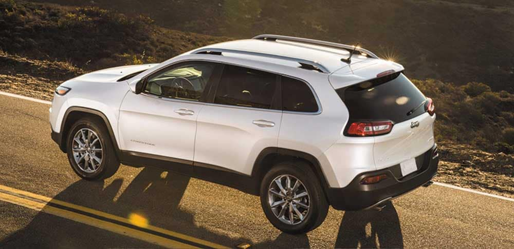2018 Jeep Cherokee driving