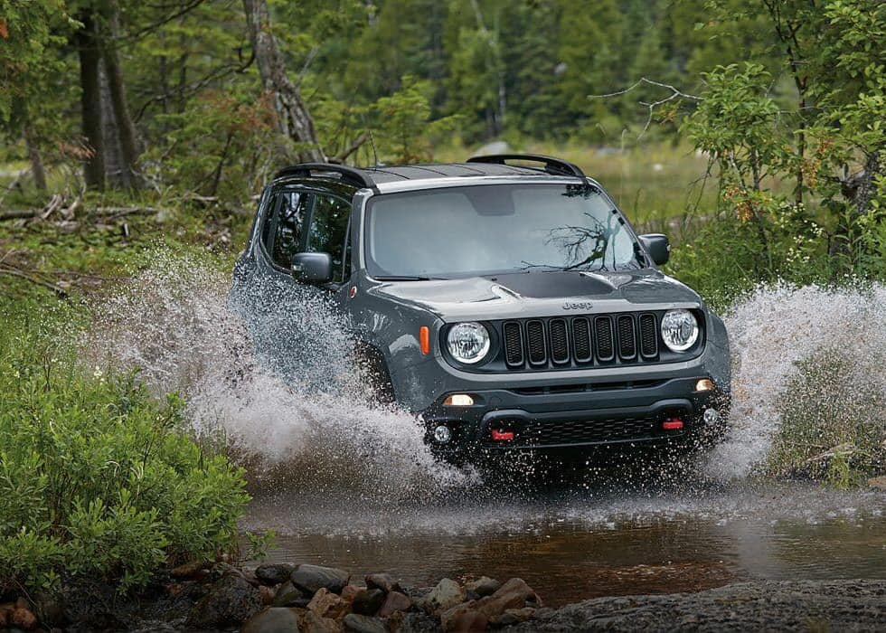 2017 Jeep Renegade off roading through water