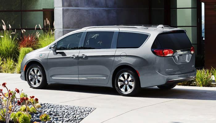 2019 Chrysler Pacifica Exterior Parked