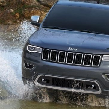 2017 Jeep Grand Cherokee off-roading through water